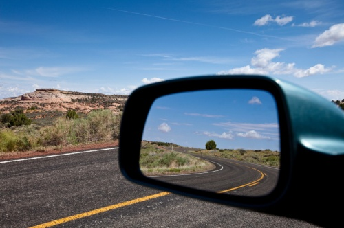iStock-rear-view-mirror_0005